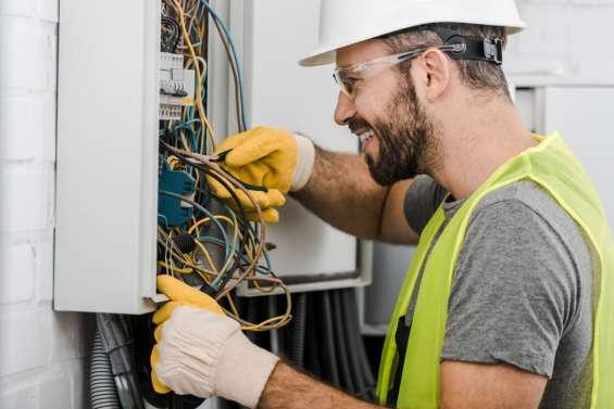 Pictures of Get the top electrical contractors near your location 3