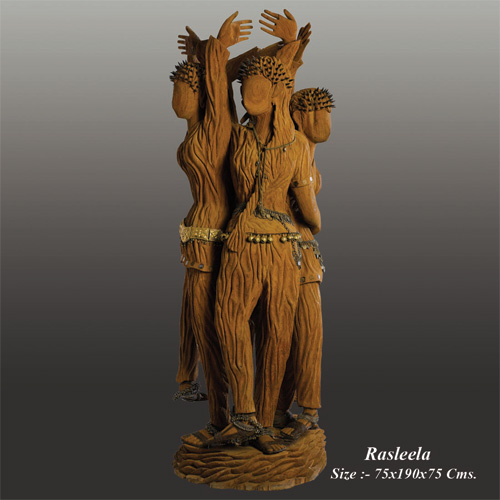 Carving wooden sculptures from a mere piece of log is simply an art work. as far as the field of sculpture extends, wooden figurines have been adored by admirers since   generations down the line, owing to its it's wood specific textures and fine finish.